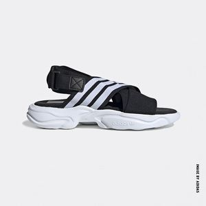 NEW - Adidas Magmur Sporty Sandals - US 8